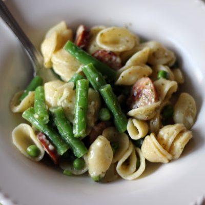 pasta with pesto, chicken sausage, and veggies